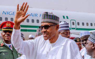 Buhari lands in Katsina to vote tomorrow in Daura [Photos] - OkayNG News