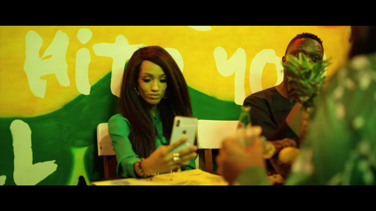"""Di'Ja """"Mr Bob"""" video © YouTube / Mavin Records"""