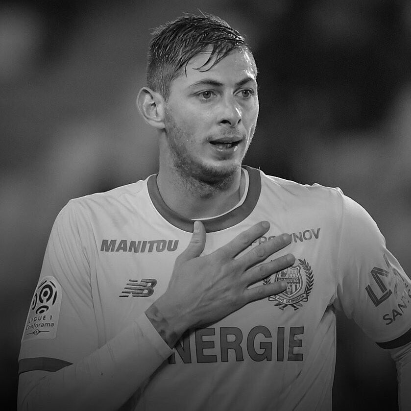 Photo of Emiliano Sala: Rooney, Luke Shaw, Lacazette, Ozil and Kylian Mbappé pays tribute to Cardiff City striker