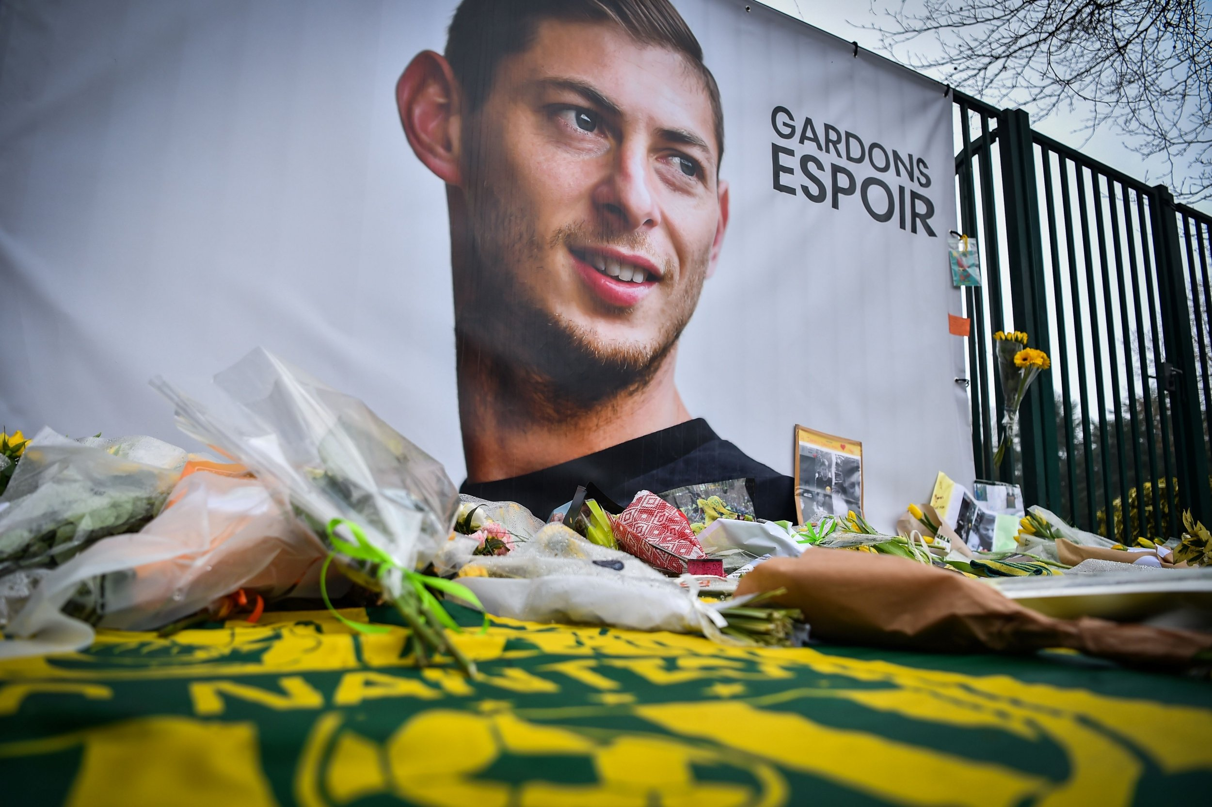 Emiliano Sala Farewell Okay NG - Wreckage from missing Plane conveying Emiliano Sala found in Channel