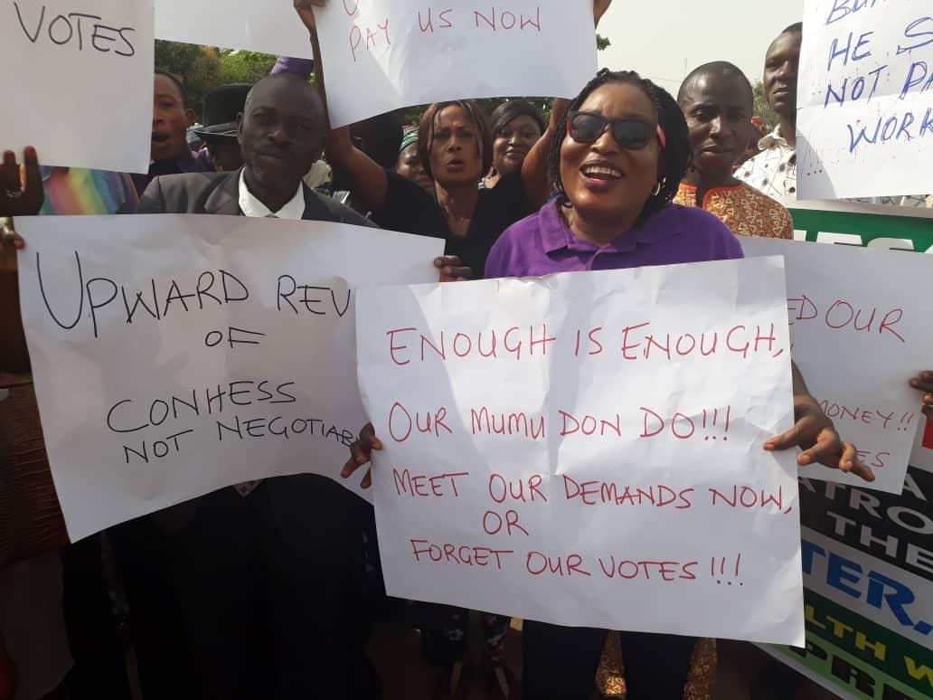 JUST IN! Health workers (JOHESU) begin 3-day warning strike - OkayNG News