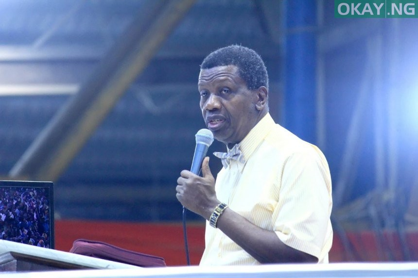 Photo of Nigerians attack Pastor Adeboye for asking son to 'sack' his secretary