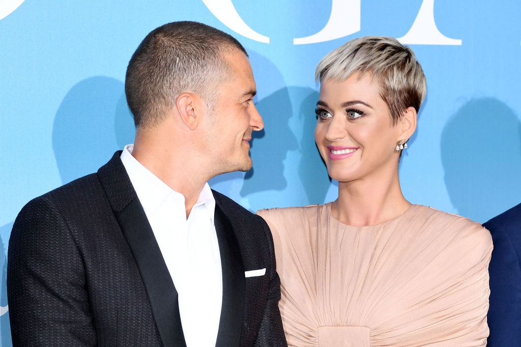 Photo of Katy Perry flashes ring to announce engagement on Instagram