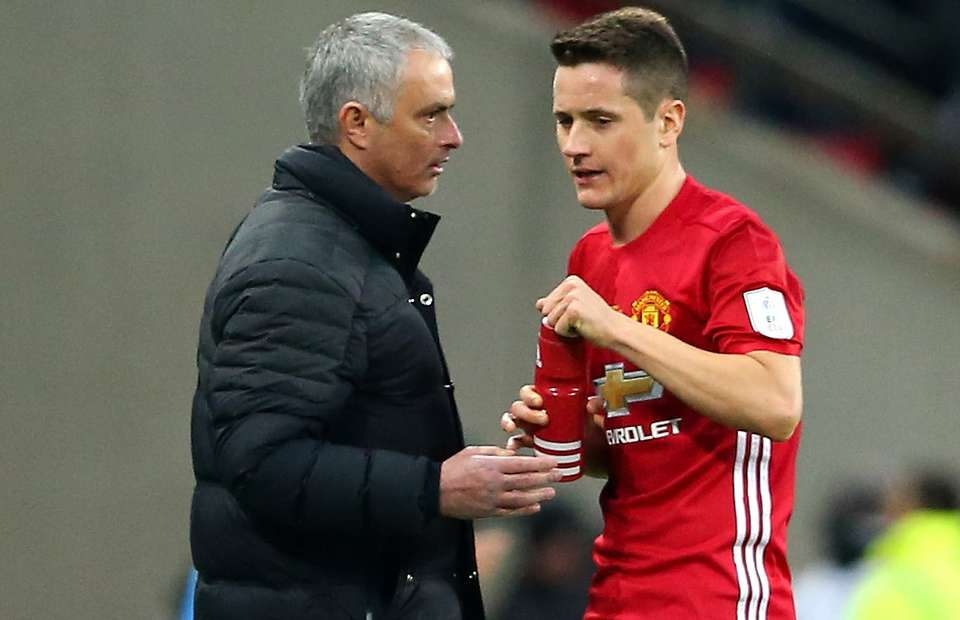 960 - Herrera angry with Paul Pogba over comment on Mourinho