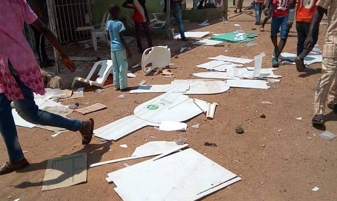 Boxes Okay ng - Armed thugs storm polling units in Kogi, snatch ballot boxes