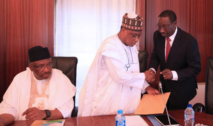 Buhari Security Meeting Okay ng 6 - Buhari holds security meeting in Aso Rock Villa [Photos]