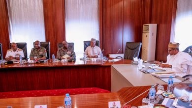 Buhari Service Chiefs Okay Nigeria 2 390x220 - Buhari hold meeting with service chiefs over security challenges [Photos]