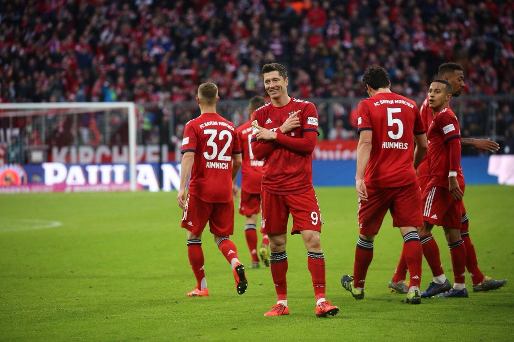 Robert Lewandowski celebrating his goal against Wolfsburg