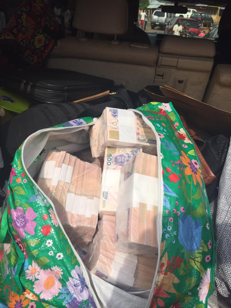 EFCC intercepts bags filled with money belonging to APC governorship candidate in Benue [Photos]