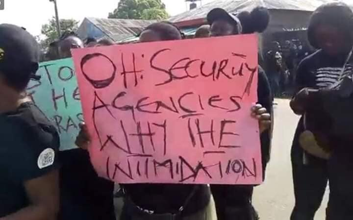 Protest Ogu Okay ng 1 - Soldiers invade Ogu/bolo LGA in Rivers state, Women Protest [In Photos]