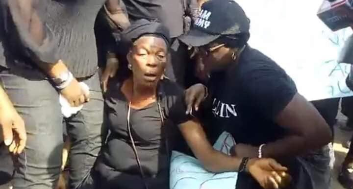 Protest Ogu Okay ng 2 - Soldiers invade Ogu/bolo LGA in Rivers state, Women Protest [In Photos]
