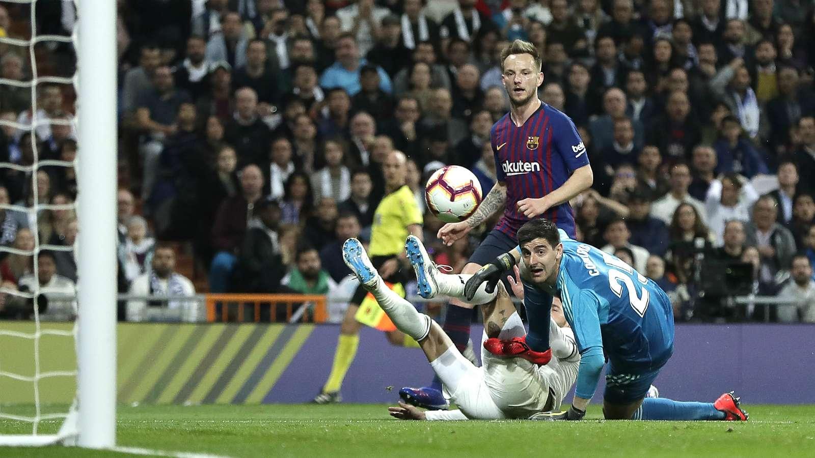 ivan rakitic 1ex9i8wndjdjb19ai5q42pqwbm - Real Madrid vs Barcelona 0-1: LaLiga Match Report & Highlights