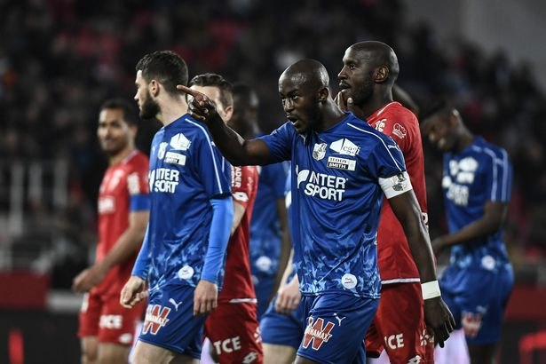 0 FBL FRA LIGUE1 DIJON AMIENS - Racist Abuse: French Ligue 1 match stopped for five minutes [SHOCKING]