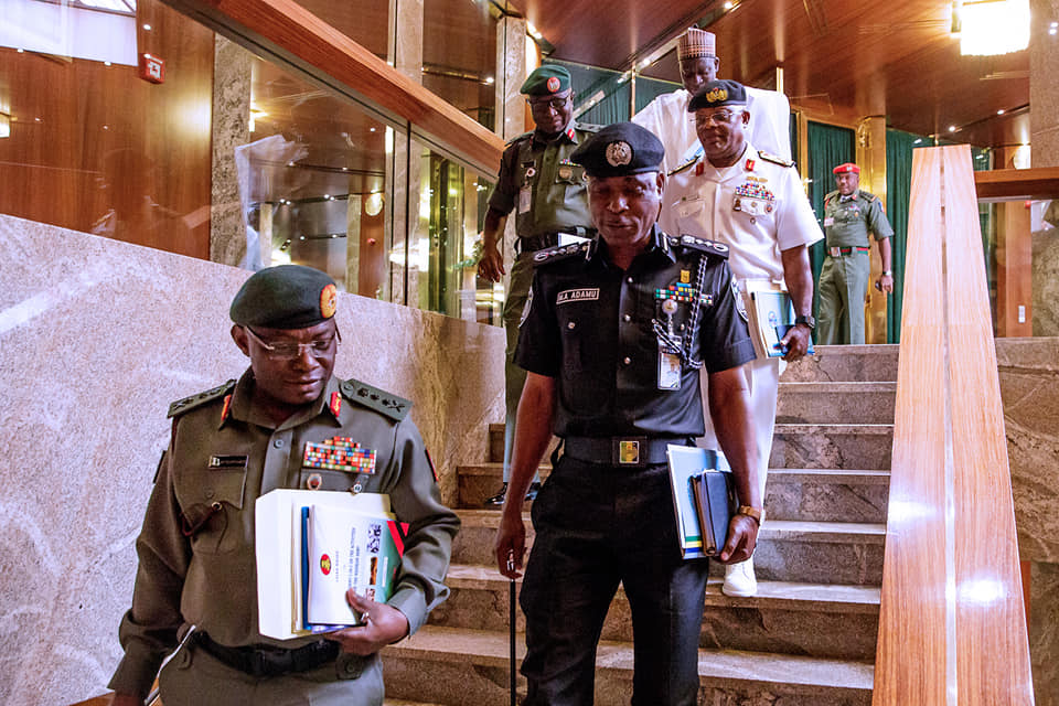 56951130 2153521401406855 1697202562337341440 n - Buhari receives briefing from Service chiefs in his office [Photos]