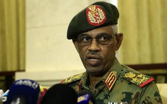 Photo of In Sudan: Awad Ibn Ouf vows not hand over 'Omar al-Bashir' to ICC