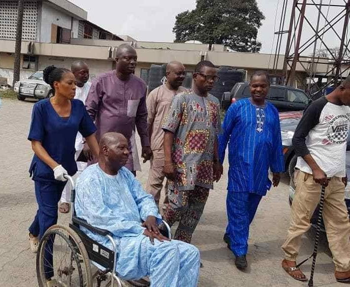 Photo of Actor Baba Suwe flown abroad for further medical treatment