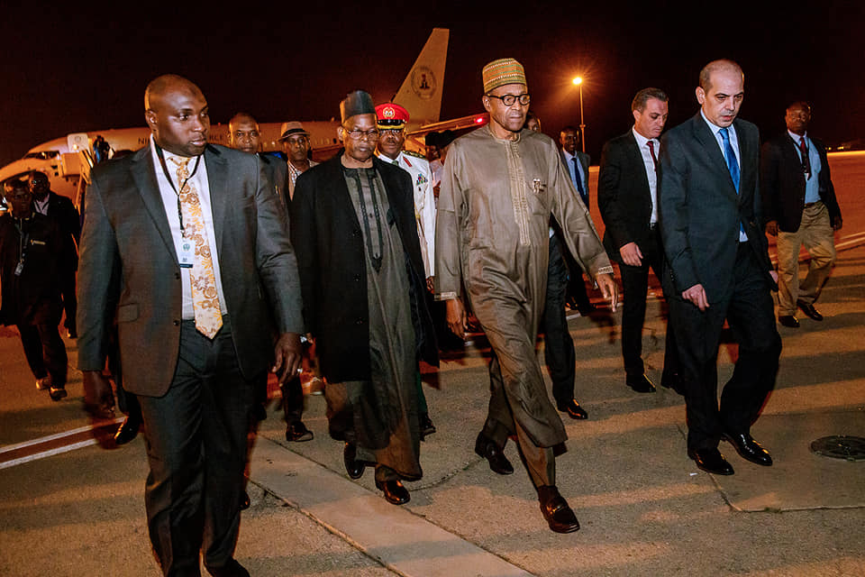 Buhari Jordan Okay ng 2 - Buhari arrives Jordan ahead of World Economic Forum [Photos]