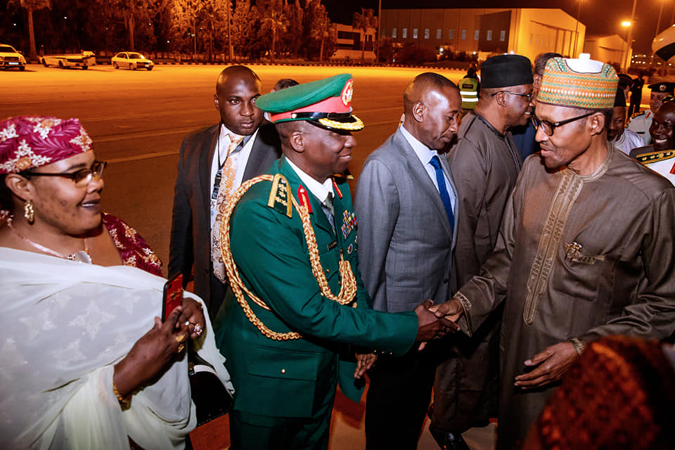 Buhari Jordan Okay ng 4 - Buhari arrives Jordan ahead of World Economic Forum [Photos]