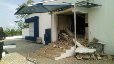 D3paDjhWkAIHyQw 390x220 - Photos from Bank robbery in Ondo, one suspect arrested