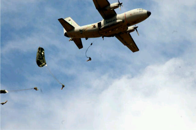 Nigerian Army paratroopers during training