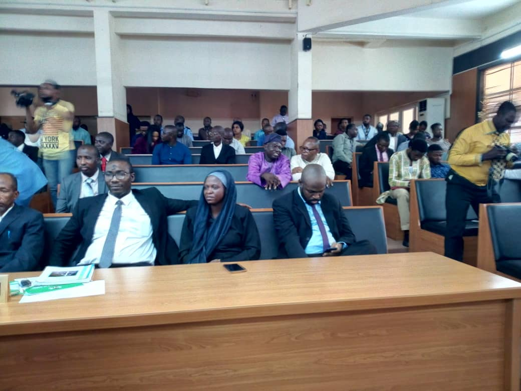 Onnoghen Okay ng 2 - Onnoghen at CCT as he awaiting final verdict on his trial [Photos]