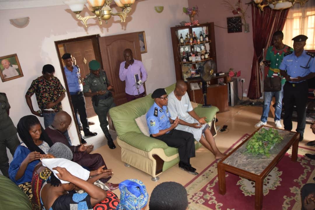 Police CP Kolade family Okay ng - Lagos Police Commissioner visits Kolade Johnson's family [Photos]