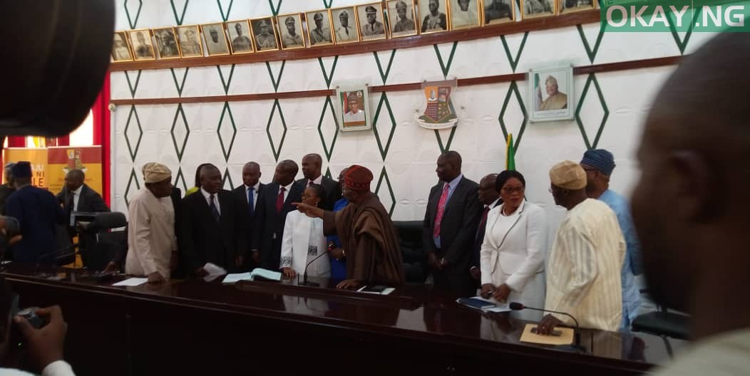 Ajimobi Perm Sec Okay ng - Oyo: Ajimobi swears in 11 new permanent secretaries