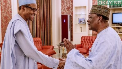 Photo of Buhari congratulates Gowon on 85th birthday
