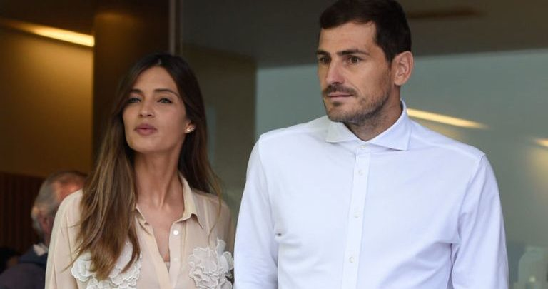 Photo of Casillas leaves hospital days after suffering heart attack