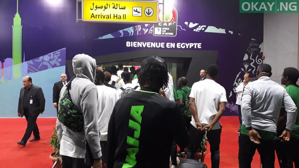Super Eagles Egypt okay ng 1 - Nigeria's Super Eagles land in Egypt ahead of 2019 Nations Cup [Photos]