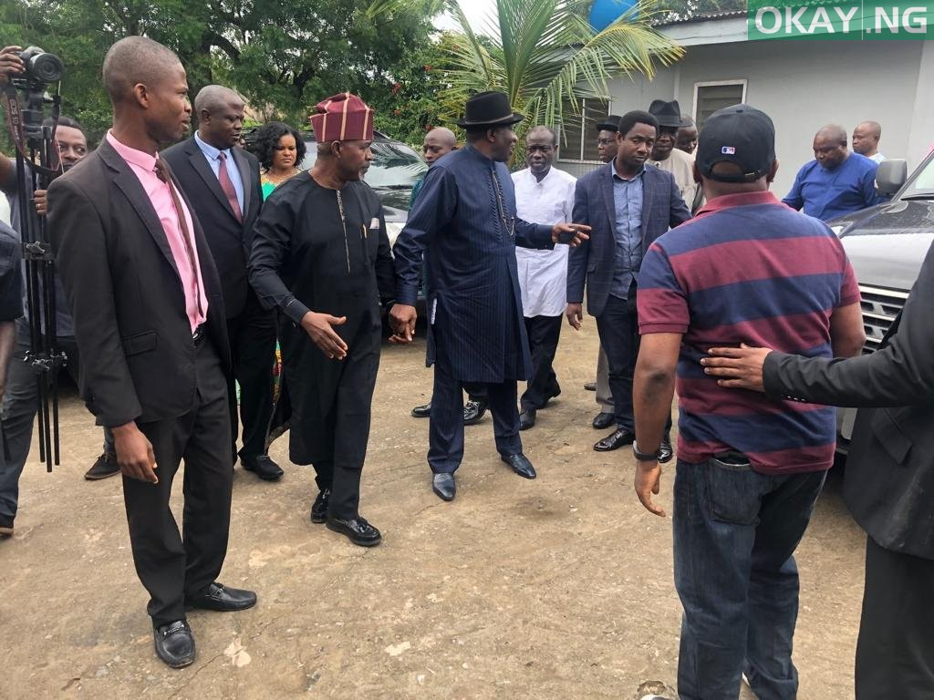 Jonathan Afenifere leader home 2 Okay ng - Jonathan in Akure to commiserate with Afenifere leader, Reuben Fasoranti [Photos]