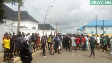 Epe Residents Ambode Okay ng 1 390x220 - Epe residents prevent EFCC operatives from accessing Ambode's home [Video]