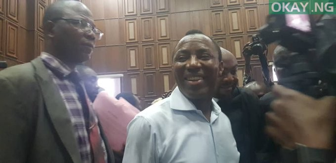 Photo of Sowore in court to stand trial (Photos)