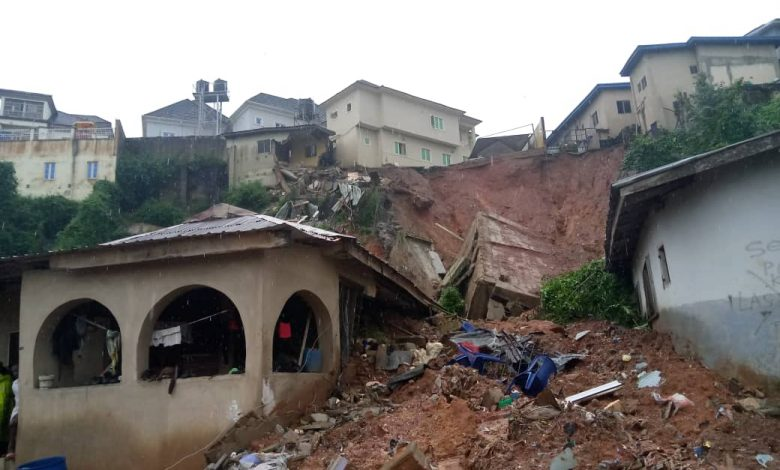 Photo of Collapsed building kills mother, three children in Magodo, Lagos