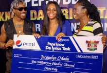 Photo of BBNaija's Jackye receives N1.5 million cash prize from Pepsi