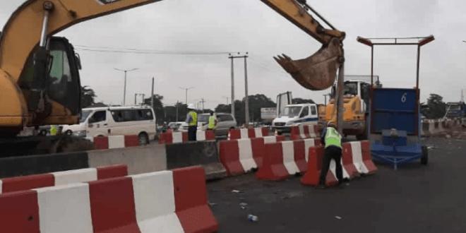 Photo of FG announces traffic diversion on Lagos-Ibadan Expressway