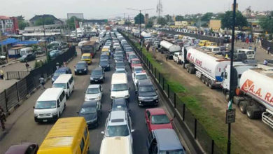 Photo of Reactions trail gridlock on Lagos-Ibadan expressway