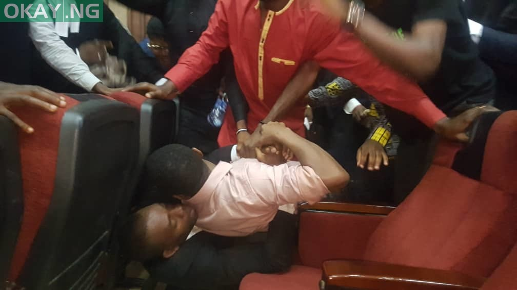 Sowore being dragged in court by operatives of the DSS