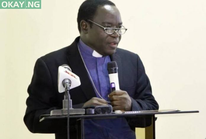 Photo of Bishop Kukah makes accusations against Buhari's government