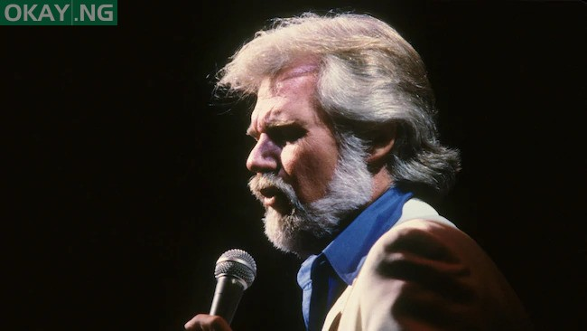 Photo of Country music icon Kenny Rogers dies at age 81
