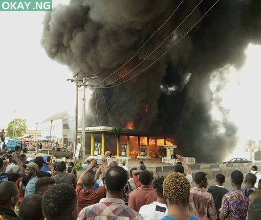 Photo of JUST IN! Fire guts NNPC filling station on Yahaya-Abatan road, Ogba, Lagos