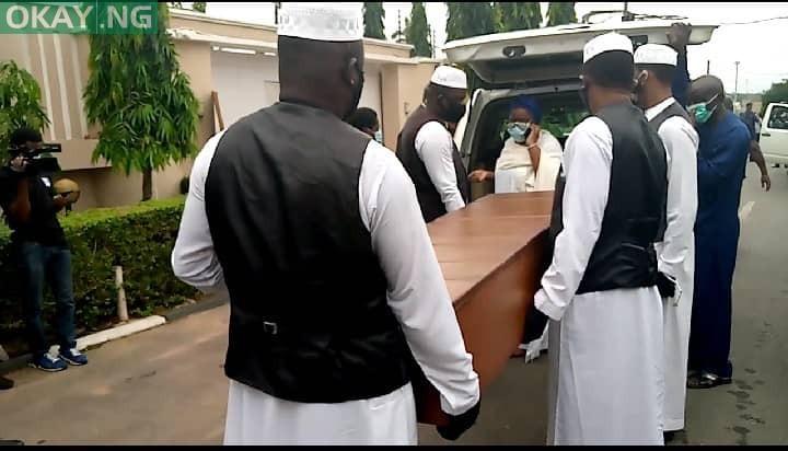 Photo of Ex-Oyo governor, Abiola Ajimobi buried at residence in Ibadan (Photos)