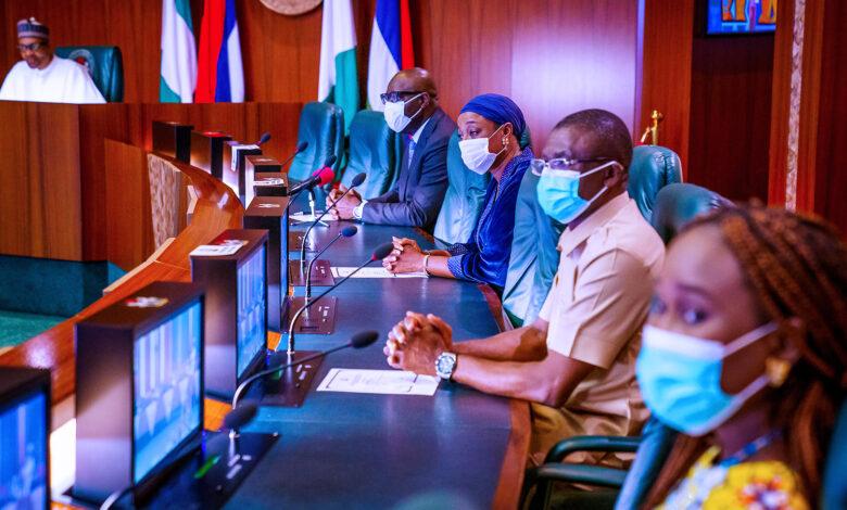Photo of Obaseki pays 'thank you' visit to Buhari in Aso Villa [Photos]