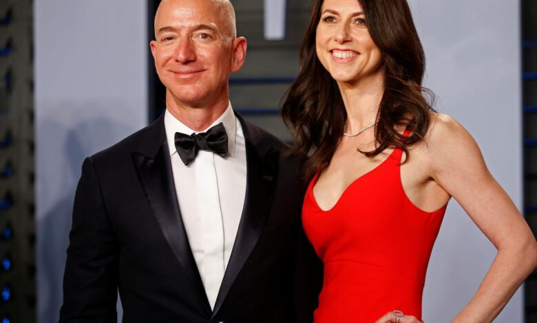Jeff Bezos and Mac Kenzie