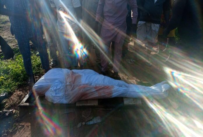 Photo of #EndSars: Nigerians mourn Jimoh Isiaq, a protester allegedly shot dead by Police in Ogbomoso
