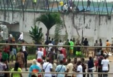 Photo of JUST IN! Inmates on the run as thugs break into Benin prison