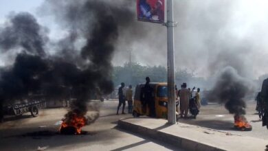 Photo of Kano residents protest alleged killing of 17-year-old boy in police custody