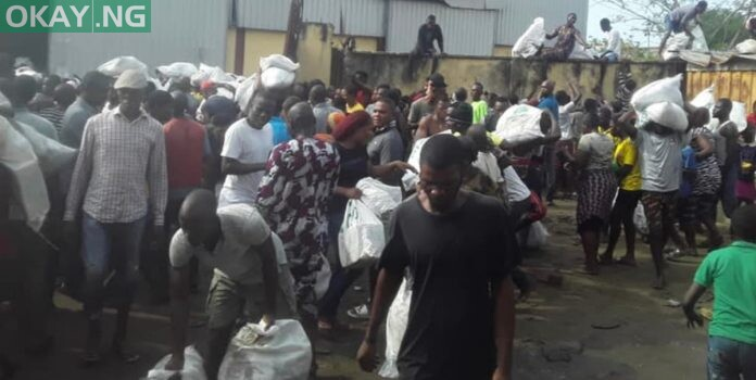Photo of Osun govt gives reasons for not distributing COVID-19 palliatives in warehouse